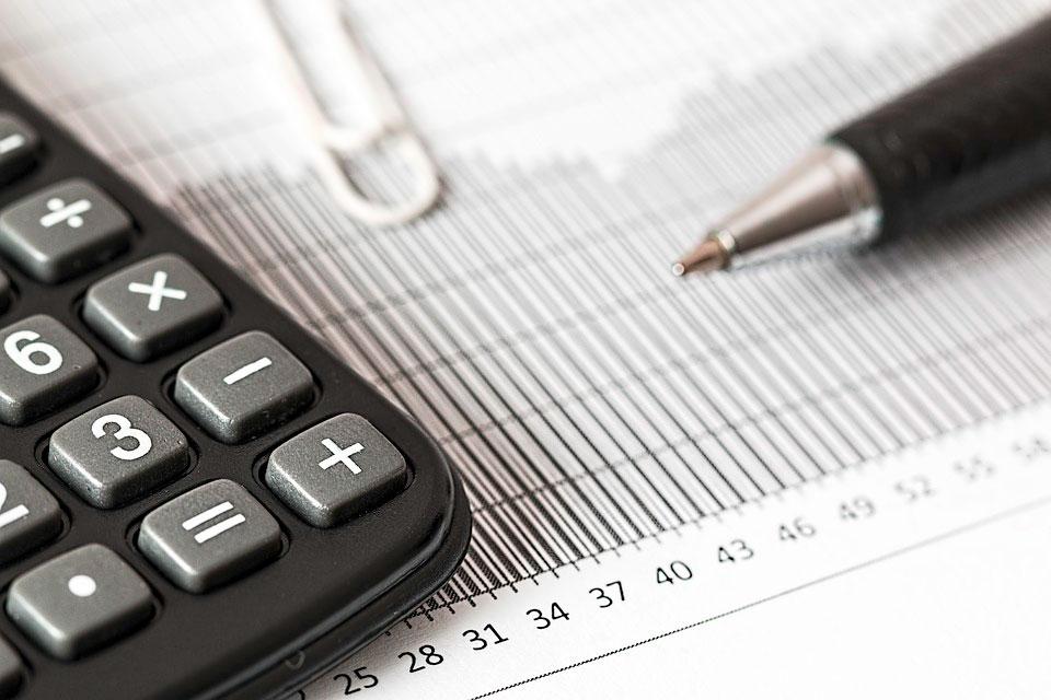 Utilização da Tabela FIPE para indenização do seguro.